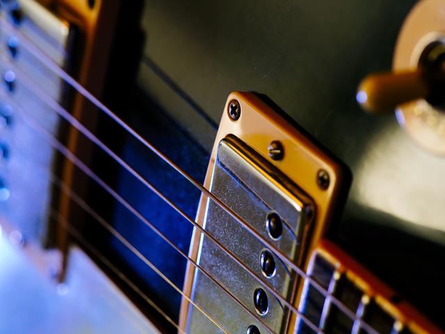 グリッサンド(グリス)の弾き方とコツ練習方法/ギター初心者レッスン