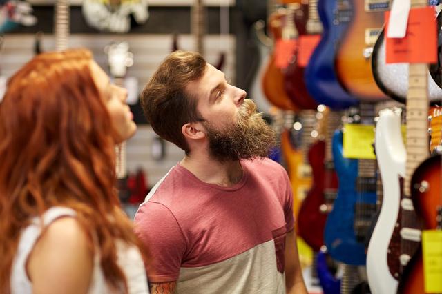 指が短い、太いとギターに向いてないですか?手が小さいと不利?