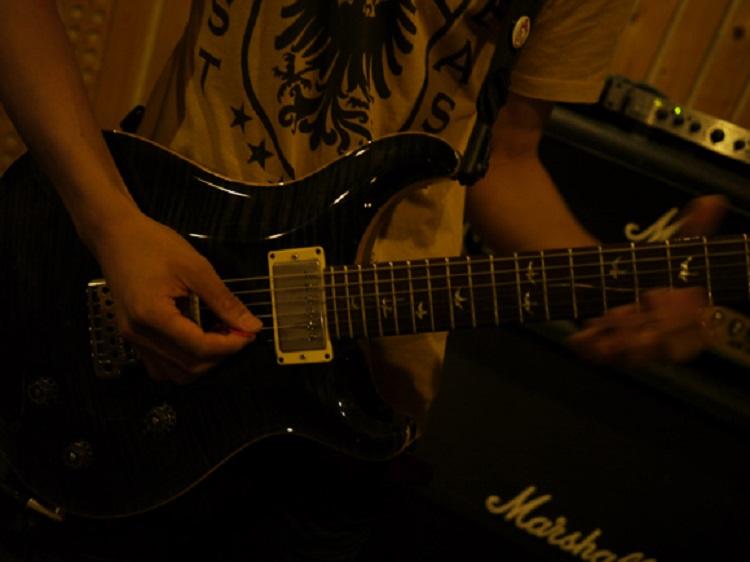JAZZ BLUES(ジャズブルース)ギターアドリブ練習フレーズ(key:B♭)弾き方解説tab譜あり