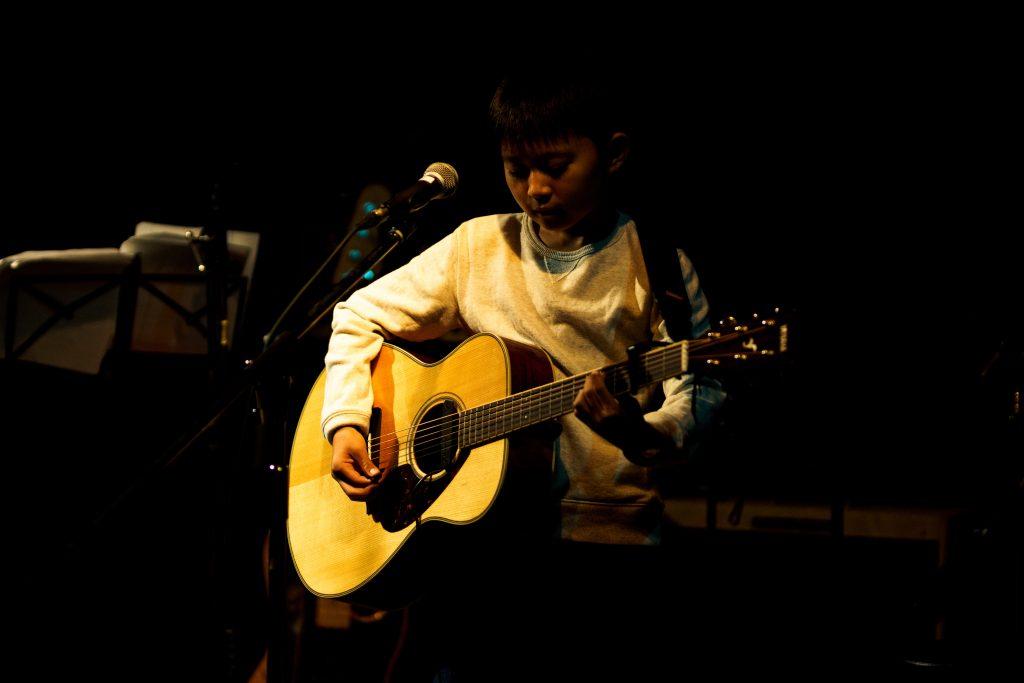 飯塚市子供ギター弾き語り教室
